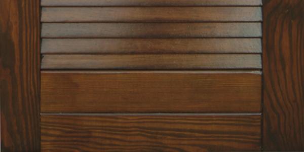 Ripristino infissi legno: nella foto un infisso recuperato e pronto